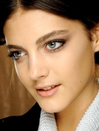 Fall 2012 Runway Makeup Trends | Paris Fashion Week