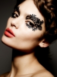 Beauty Trend Alert! Face Lace by Phyllis Cohen