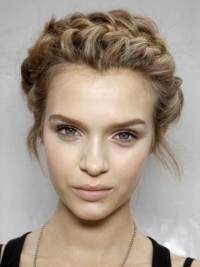 How to Style Valentino's Spring 2012 Romantic Braids