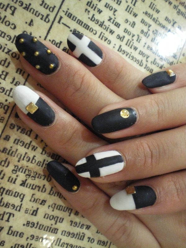 25+Black And White Manicure Ideas For You | WeLoveStyles.com