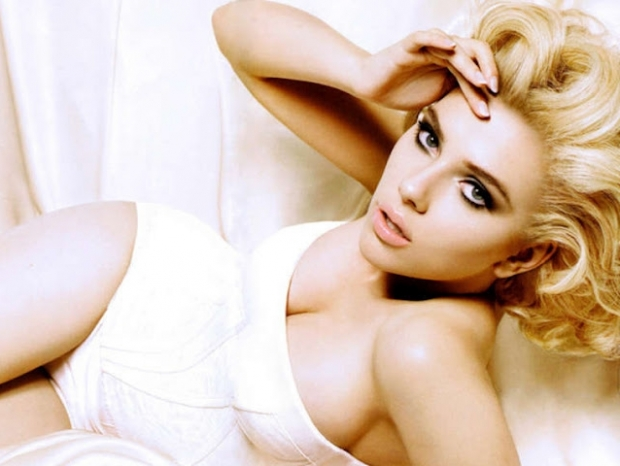 Scarlett Johansson for Dolce & Gabbana Spring/Summer 2012 Beauty Campaign