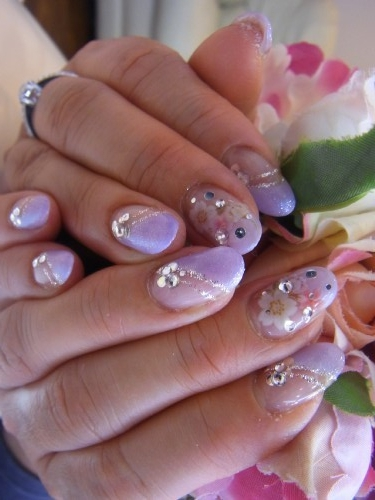 Glam Nail Art Ideas For Summer 2012