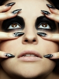 Bold & Chic Nail Art Ideas for Fall