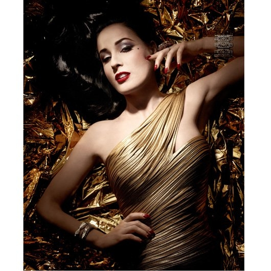 d990cb99ab00 Chinois. Chinois. Artdeco Dita Von Teese Golden Vintage Holiday 2017 Makeup  Collection -  Source ...