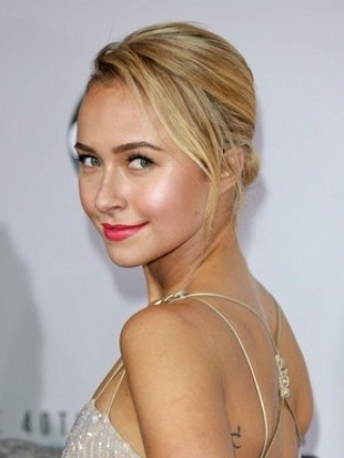 Hayden Panettiere Hairstyle 2012 AMAs