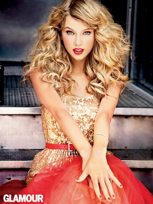 http://static.becomegorgeous.com/img/arts/2012/Oct/02/8745/taylorswiftglamour2012photos4_thumb.jpg