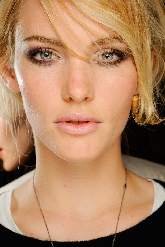 Cool Runway Makeup Looks for Fall 2012. Giorgio Armani