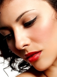 Makeup How-to: Red Lips and Winged Eyeliner