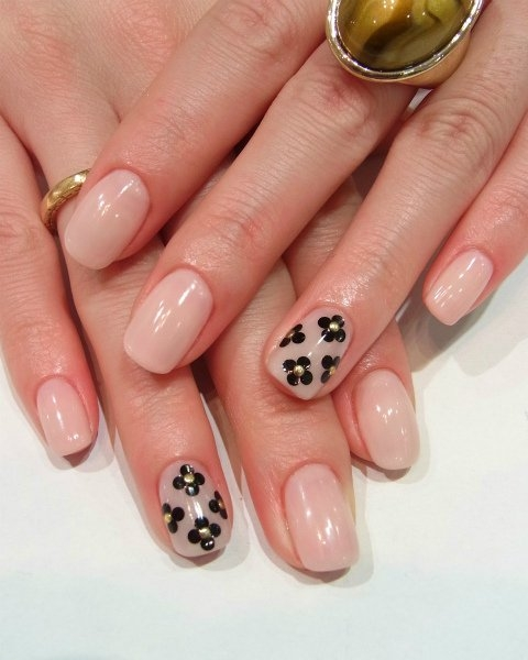 Simple Fall Nail Designs: Chic And Easy Fall Nail Art Designs