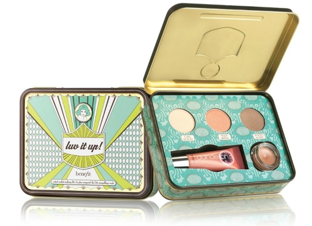 Benefit Cosmetics Luve It Up! Color Kit