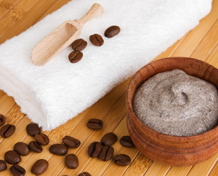 Winter is almost here and we need to take care of our skin and prepare it for the cold temperatures that will come. Here are some of the best homemade body scrubs for winter!
