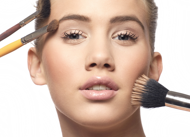 How to Apply Makeup with Brushes