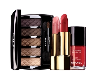 Did you get the chance to see the new Chanel Nuit Infinie de Chanel makeup line for holiday 2013? If not, take a peek!