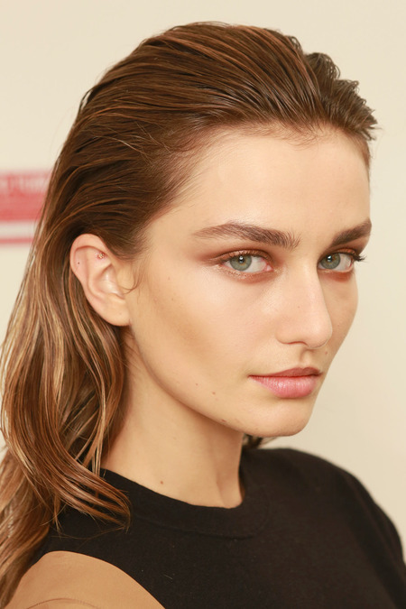 Pictures Spring 2014 Hairstyle Trends From Fashion Week Spring 2014 Wet Hair Trend 1