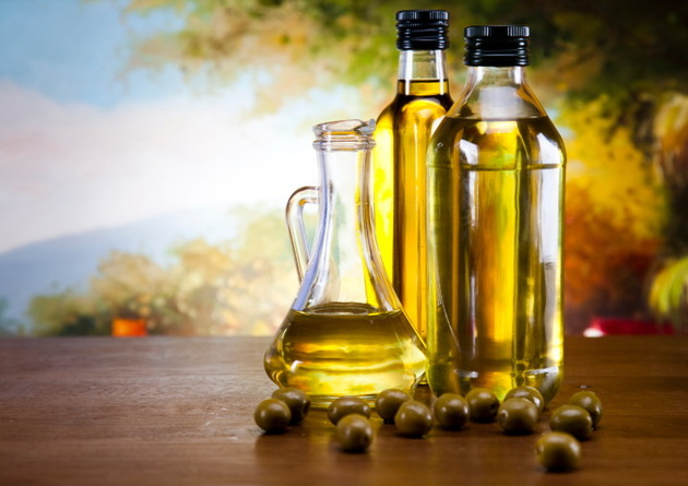 Olive Oil For Light Strands
