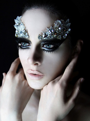 Black Swan Crystals Makeup