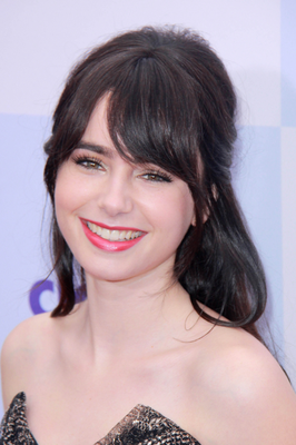 Lily Collins Wavy Hair
