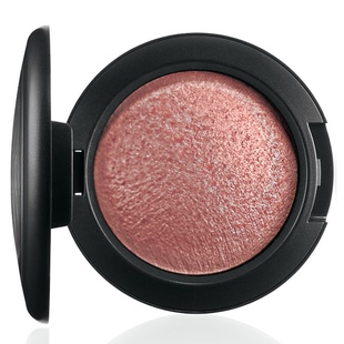 Mac Mineralize Blush  Talk Of The Town