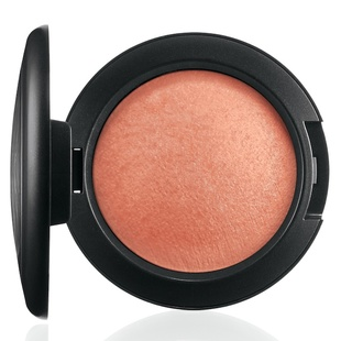 Mac Mineralize Blush   Lured To Love