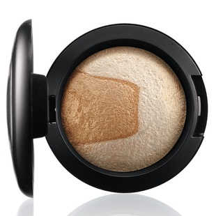 Mac Mineralize Eye Shadow   Captivating