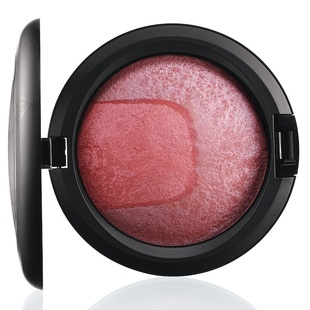 Scene To Be Seen Mac Mineralize Skinfinish