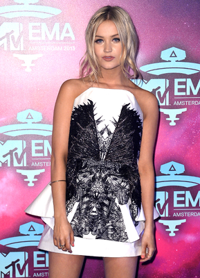 Laura Whitmore Emas 2013 Outfit