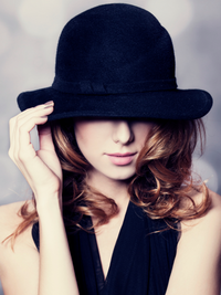 5 Great Hat Hairstyles for Girls