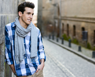Cozy and stylish, scarves are a must have accessory for men in the cold months, but with the proper know-how you can also turn them into a cool fashion statement.