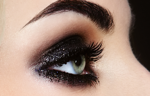 Bold Smokey Eyes Makeup
