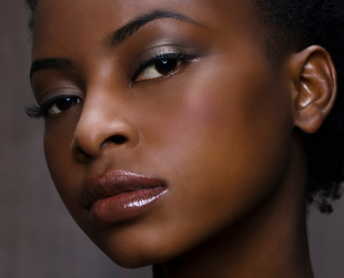 If you're an African American woman and you don't know what's the best suited lipstick for you, we certainly have the answer. Here are the best lipstick shades for black women.