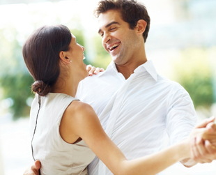 Psychologists say that the romantic phase of a liaison usually lasts up to 3 years. If you want to defy this common belief, take a look at these ways to reignite the sparks in your relationship!