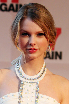 Taylor Swift Romantic Updo