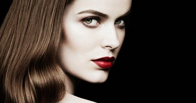 Barneys New York Beauty Campaign feat Plus Size Model Robyn Lawley