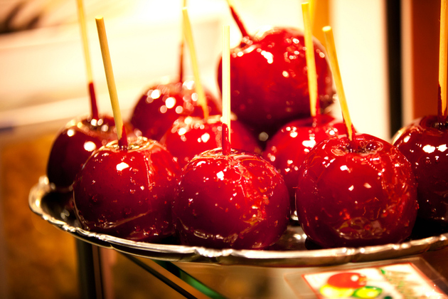 Holiday Caramel Apples