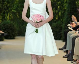 Check out these fabulous Carolina Herrera wedding gowns created for the spring of 2014 and see if you can spot your dream dress!