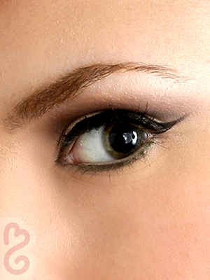60s Style Flicked Eyeliner