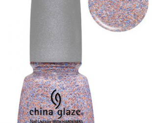 Take a peek at the new early fall offerings from China Glaze in the new On The Horizon nail polish collection.