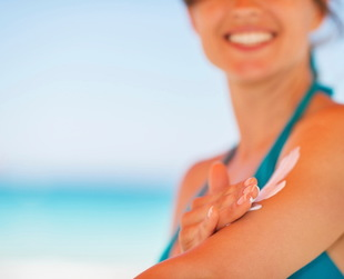 Applying sunscreen when sitting in the sun protects your skin from the harmful effects of UVA/UVB rays. Putting on expired sunscreen may not be very efficient!