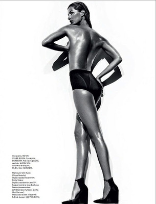 Gisele Bündchen Reveals Post Baby Body For Vogue  Brazil (2)