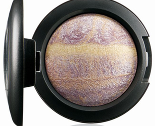 Attention, MAC fans! There's a new line for summer 2013 in the works. Find out more about the Tropical Taboo collection.