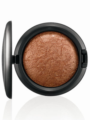 MAC Tropical Taboo Mineralize Skinfinish Gold Deposit