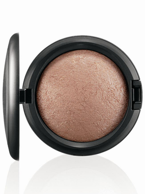 MAC Tropical Taboo Mineralize Skinfinish Soft And Gentle