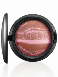 Mac Tropical Taboo Mineralize Skinfinish Rio