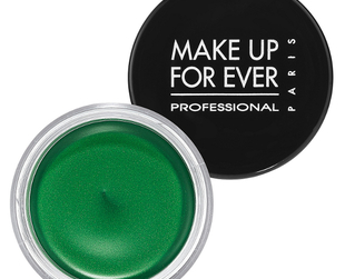Have a look at the hottest summer 2013 makeup products for the season from Make Up For Ever!