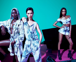 Have a nosey at the latest Rihanna for River Island Summer 2013 Campaign featuring Jourdan Dunn, Bambi Northwood-Blythe, Ataui Deng and Tao Okamoto!