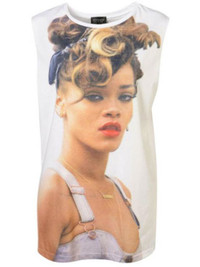 Rihanna Sues Topshop for $5 Million Over Graphic T-Shirts