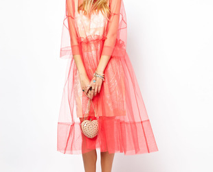 Looking for a romantic special occasion dress? If you love vintage accents, be sure to check out the new ASOS spring/summer 2013 Salon collection. You're in for a fab style treat!