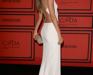 Celebs, models and designers walked the red carpet at the 2013 CFDA Fashion Awards looking impeccable as always. Take a peek at some of the most show-stealing looks!