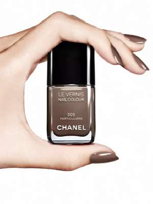 Chanel Les Vernis Particuliere Nail Polish