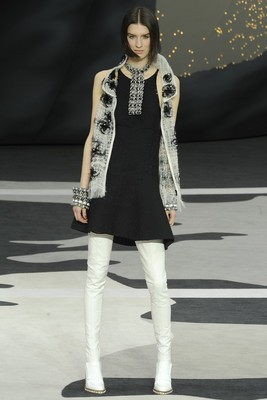 Chanel Fall 2013 Collection (13)
